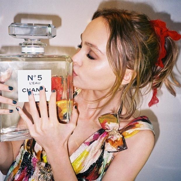 Lily Rose Depp Chanel No. 5 LEau