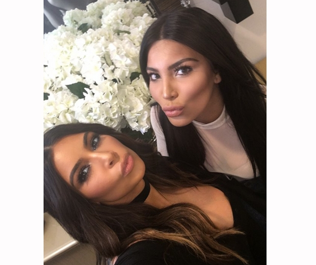Kim took a selfie with her lookalike, Kamilla Osman
