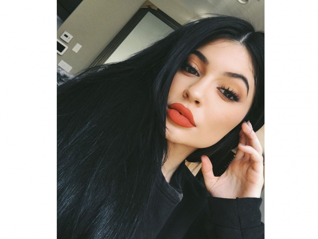 From Duck Face to Kylie Jenner: Selfie Standards of Beauty ...