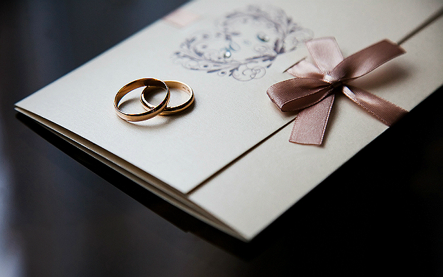 how to decline a wedding invitation according to an etiquette expert