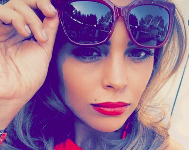 chloe-lewis-lipstick