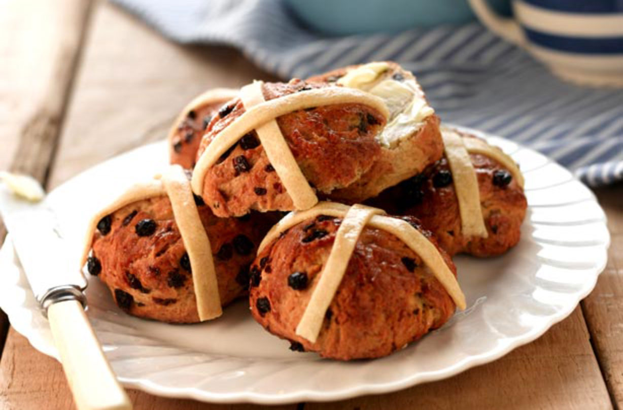 Learn how to make these vegan hot cross buns in just a few easy steps