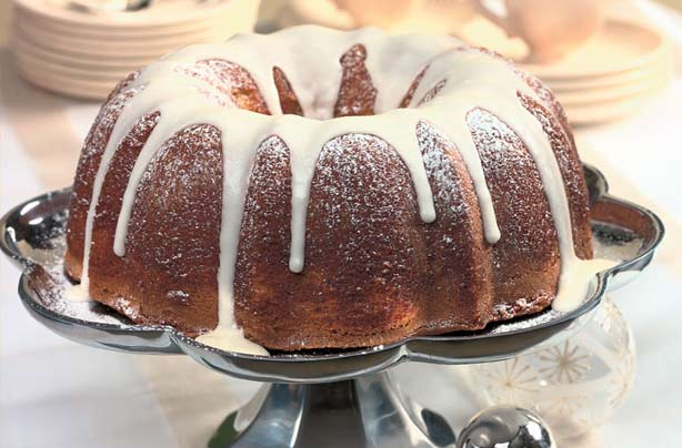 Give your autumnal spread a real American feel by making this spiced eggnog pound cake