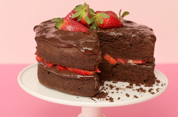 Jamie Oliver Chocolate Cake With Strawberries Recipe