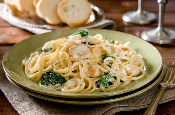 spaghetti alfredo italian recipes goodtoknow