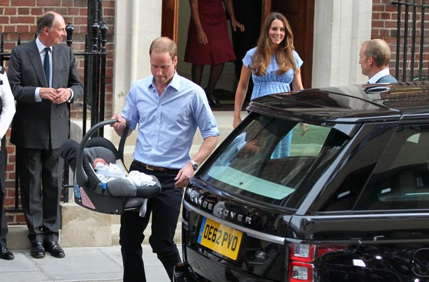 Kate Middleton chooses a car seat fit for a King