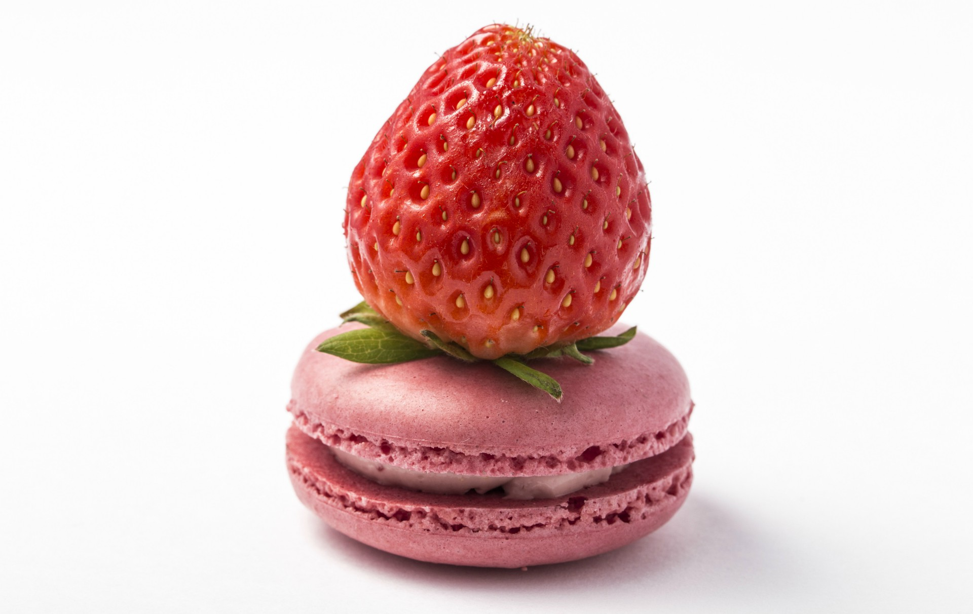 Strawberry Macaroons French Recipes Goodtoknow