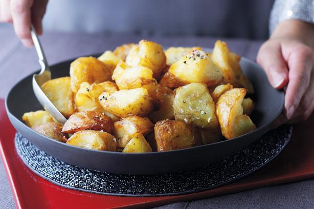 Easy roast potatoes easy roast potatoes recipe forumfinder Choice Image