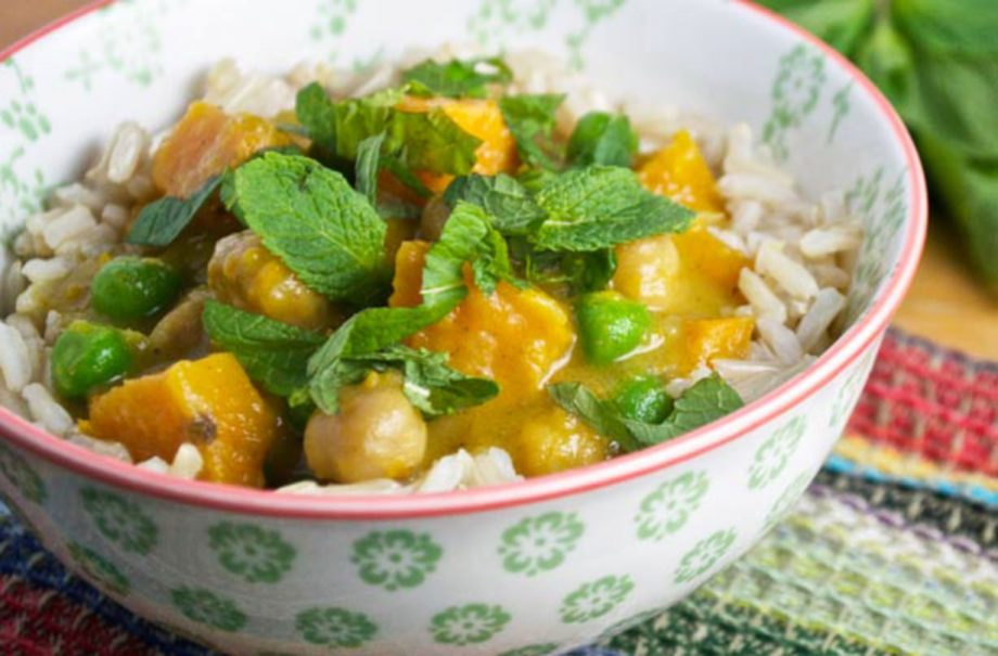 Slow Cooked Sweet Potato And Chickpea Curry