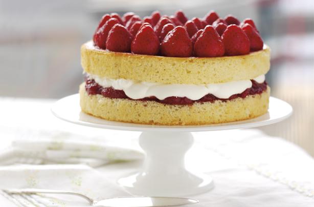 Sponge Cake Recipe Uk Plain Flour: Genoese Sponge With Strawberries And Cream