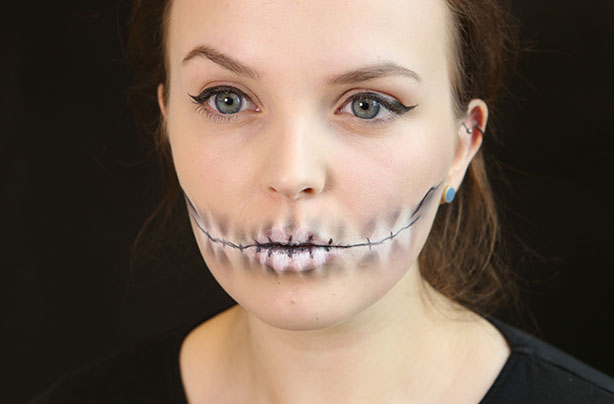 Skeleton Mouth Make Up Tutorial