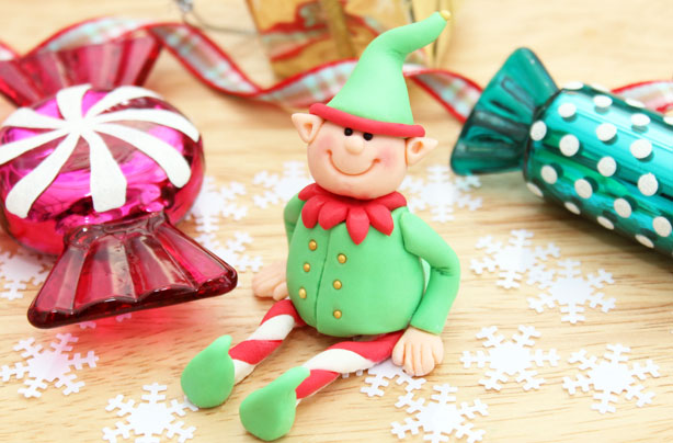 Elf cake decorations. Learn how to make your own Christmas elves here