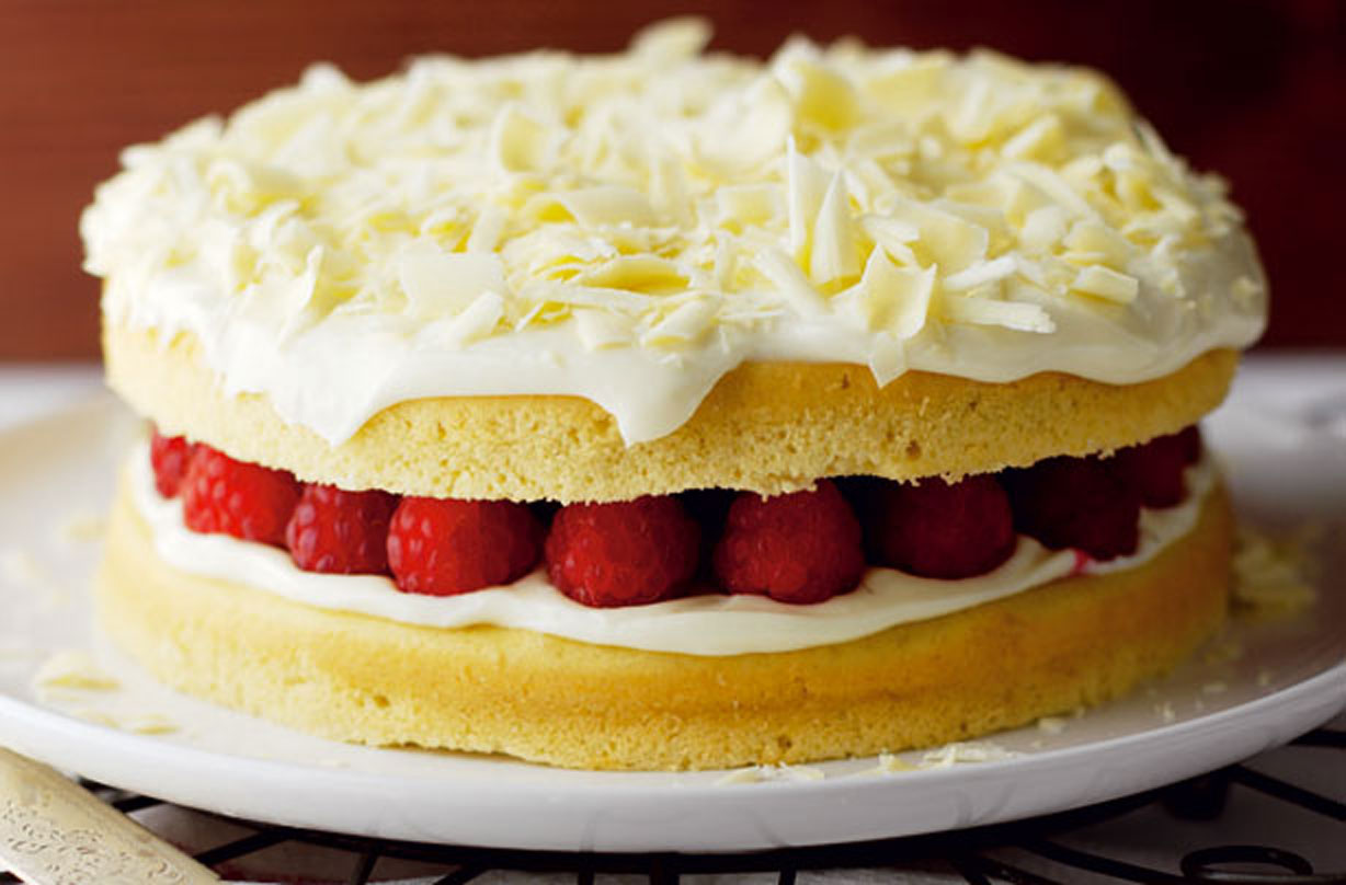 Awesome Weight Watchers White Chocolate Cake Baking Recipes Goodtoknow Funny Birthday Cards Online Overcheapnameinfo