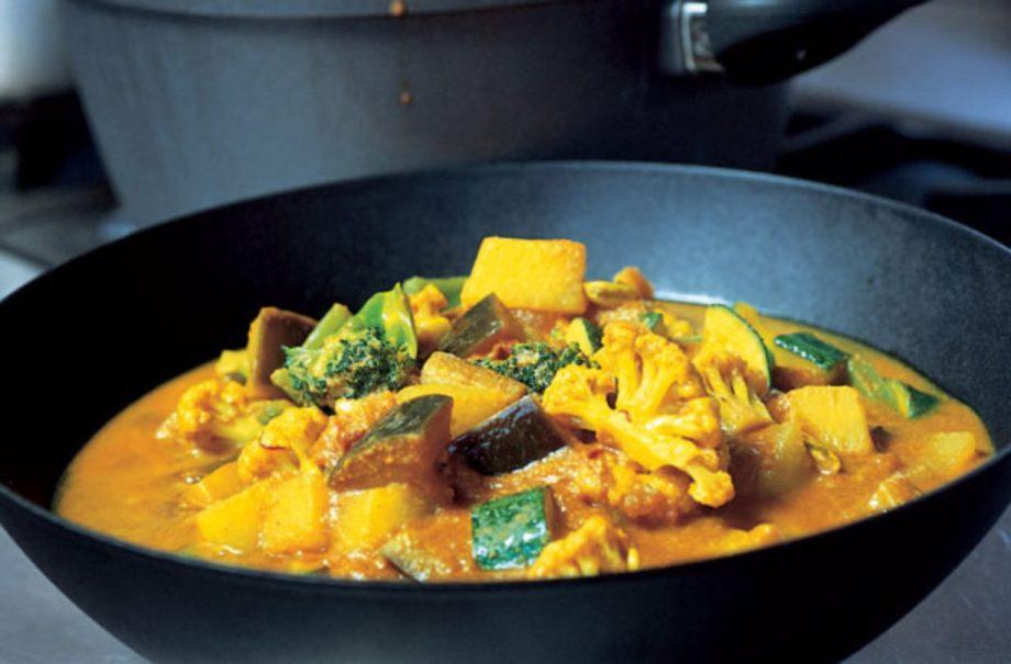 Gordon Ramsays Easy Vegetable Curry