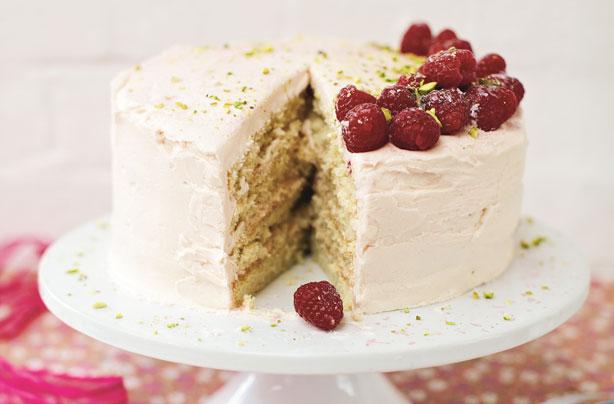 Easy wedding cake ideas | GoodtoKnow