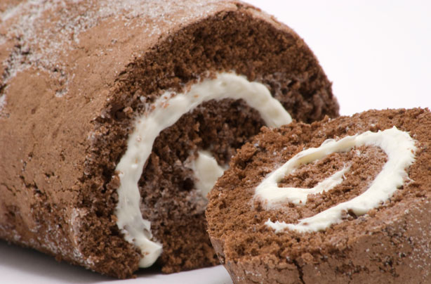 chocolate cake roll recipe chocolate swiss roll dessert recipes goodtoknow 2830