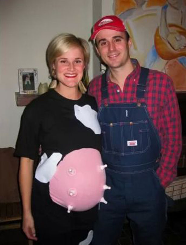 16 of the best pregnant halloween costumes weve ever seen 8 a farmer and his daisy solutioingenieria Choice Image