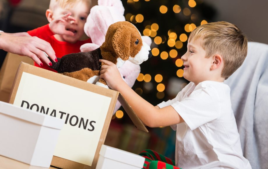 Back To Christmas.Charitable Christmas Gifts Ideas For Giving Back And
