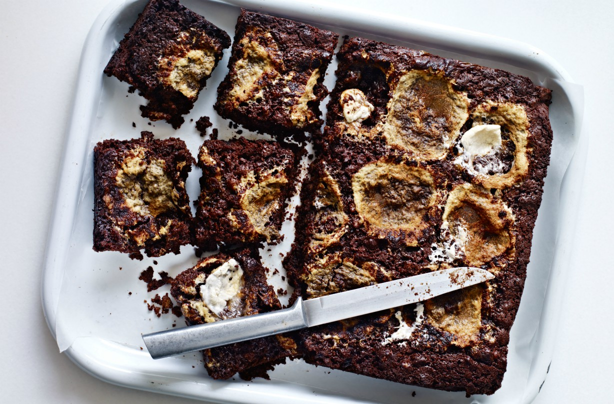 Master this sticky marshmallow and chocolate traybake for a weekend treat
