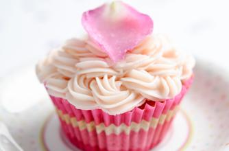 40 Valentine S Day Cakes Goodtoknow