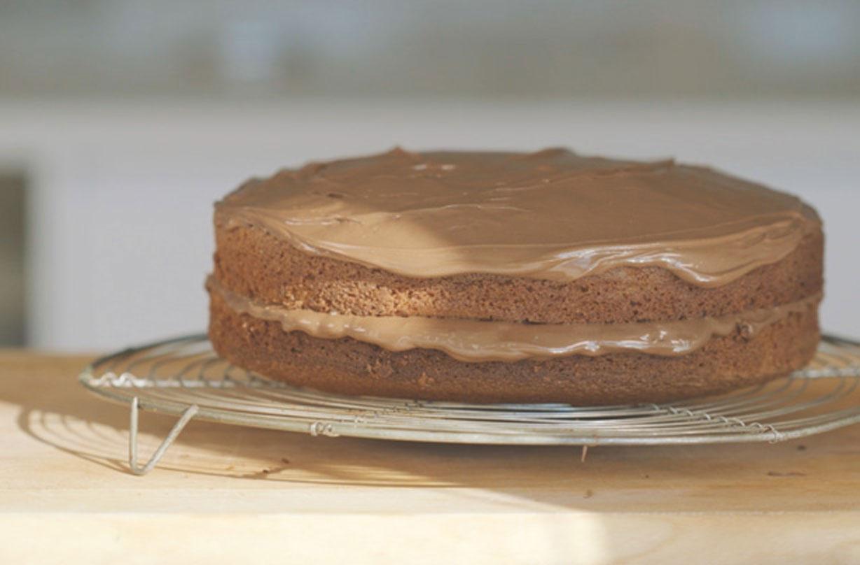 Fine Nutella Chocolate Cake Dessert Recipes Goodtoknow Funny Birthday Cards Online Benoljebrpdamsfinfo