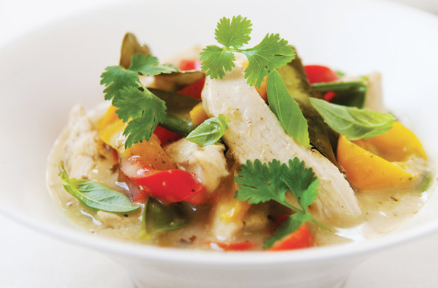 Hairy bikers thai chicken and coconut curry recipe goodtoknow forumfinder Images
