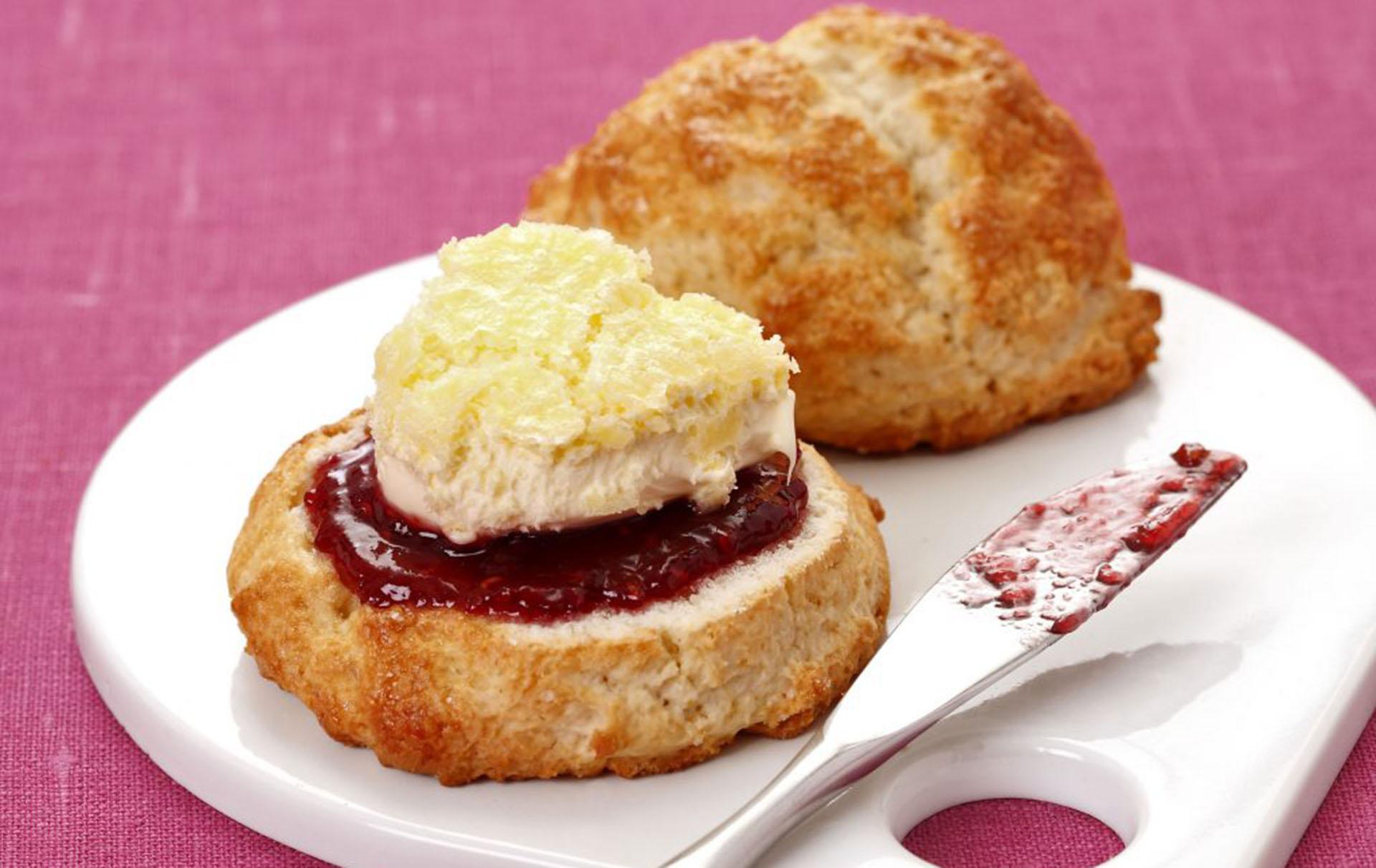 Sensational Gluten Free Scones Baking Recipes Goodtoknow Funny Birthday Cards Online Benoljebrpdamsfinfo