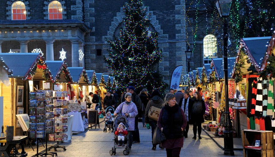 Big Bear Village Christmas.The Best Uk Christmas Markets 2019 Around The Uk