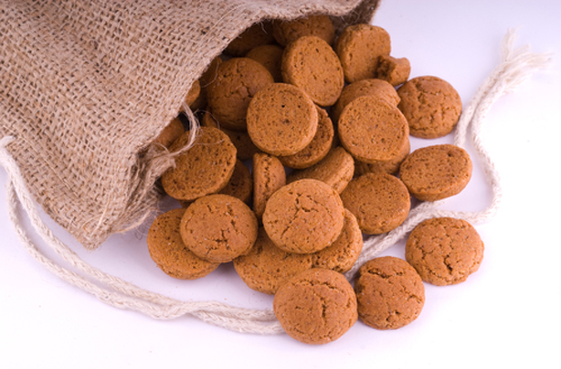 Paul Hollywood S Gingernut Biscuits Baking Recipes Goodtoknow