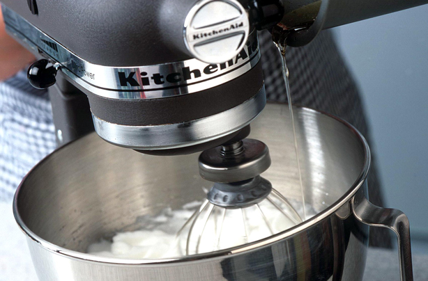 Friday Deals Out There But For Budding Bakers And Kitchen Pros The Black Kitchenaid Are Best Ones To Snap In Online S
