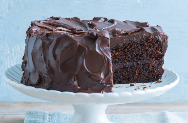 Easy Make Chocolate Fudge Cake