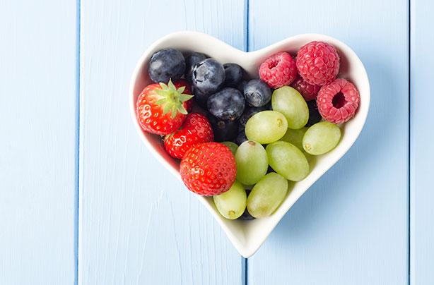 Comment perdre du poids rapidement: un bol de fruits