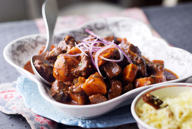 Beef Rogan Josh Indian Recipes Goodtoknow