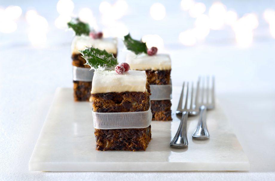 Mini christmas cakes recipe goodtoknow mini christmas cakes forumfinder Gallery