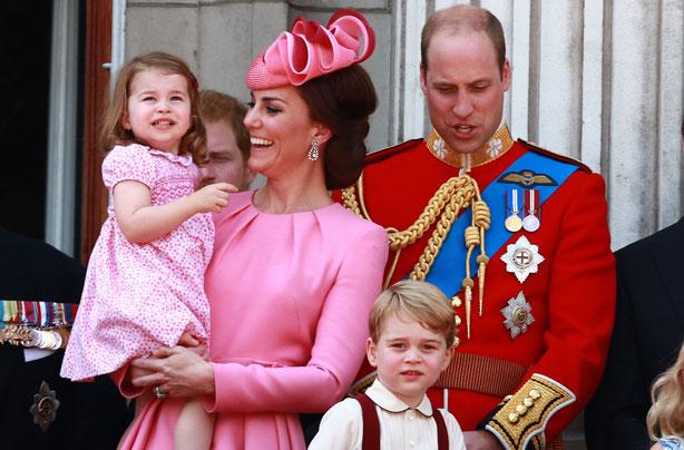 "Bildergebnis für princess charlotte at royal balcony"""