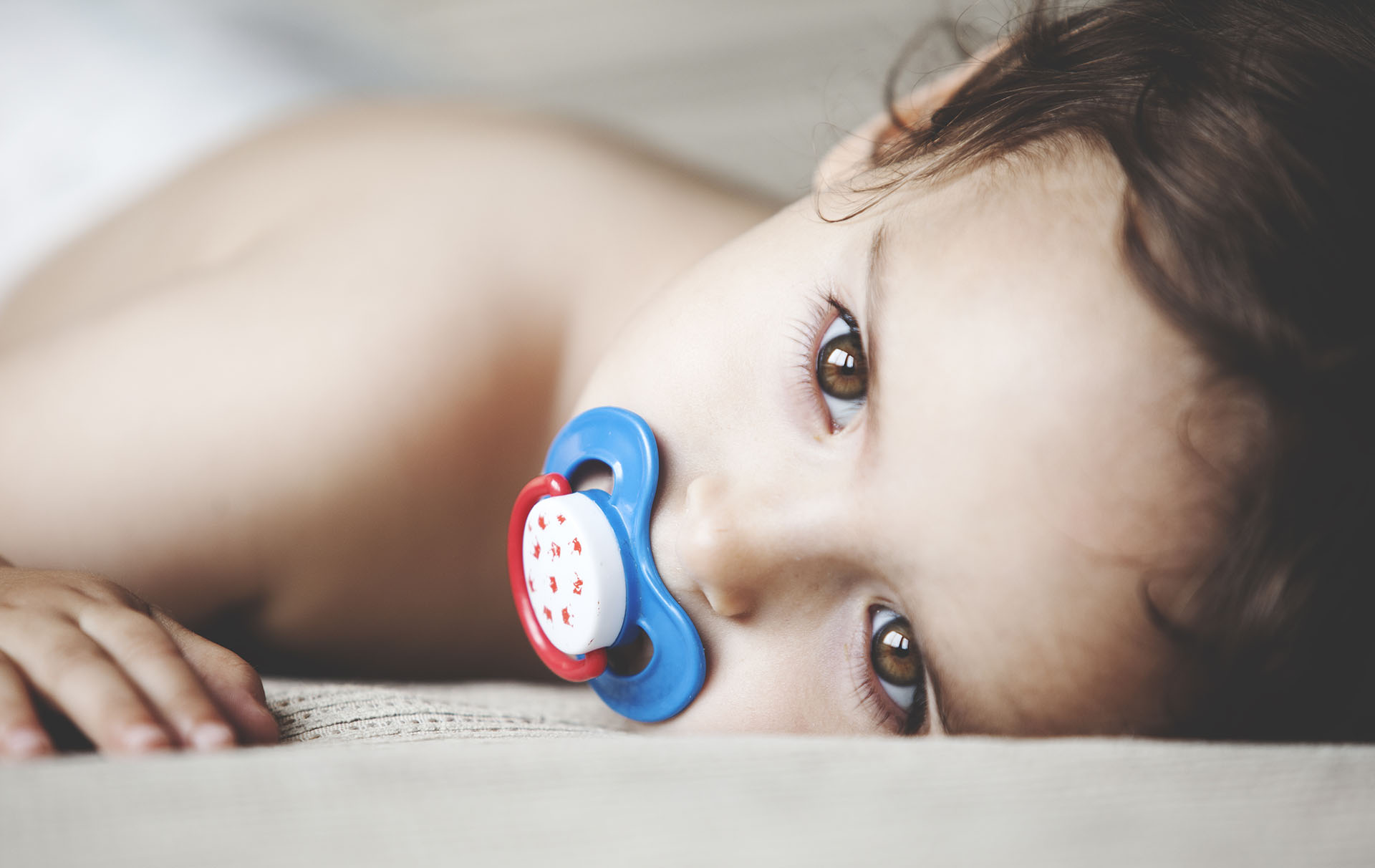 Dummies For Babies The Pros The Cons And When To Give