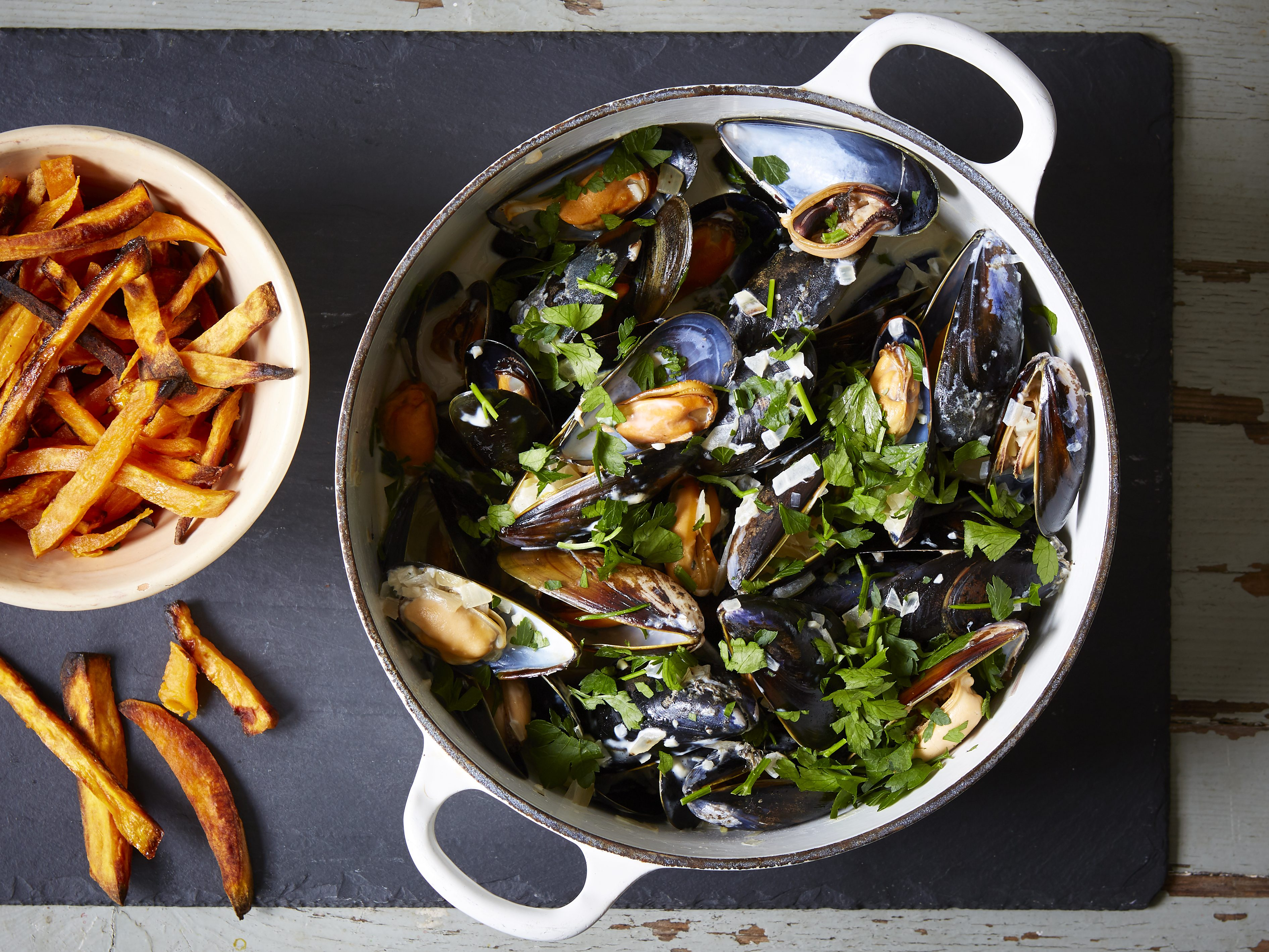 How To Cook Mussels French Recipes Goodtoknow