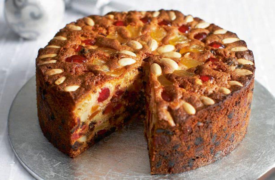 How to Bake a Light Fruit Cake