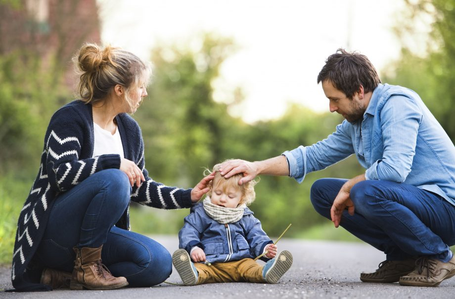 Helicopter Parenting May Negatively Affect Childrens Emotional >> Helicopter Parents What Is Helicopter Parenting And Am I One