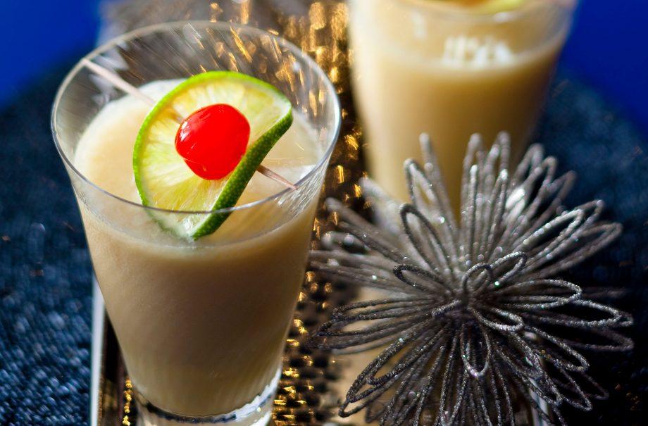 Snowball cocktail recipe