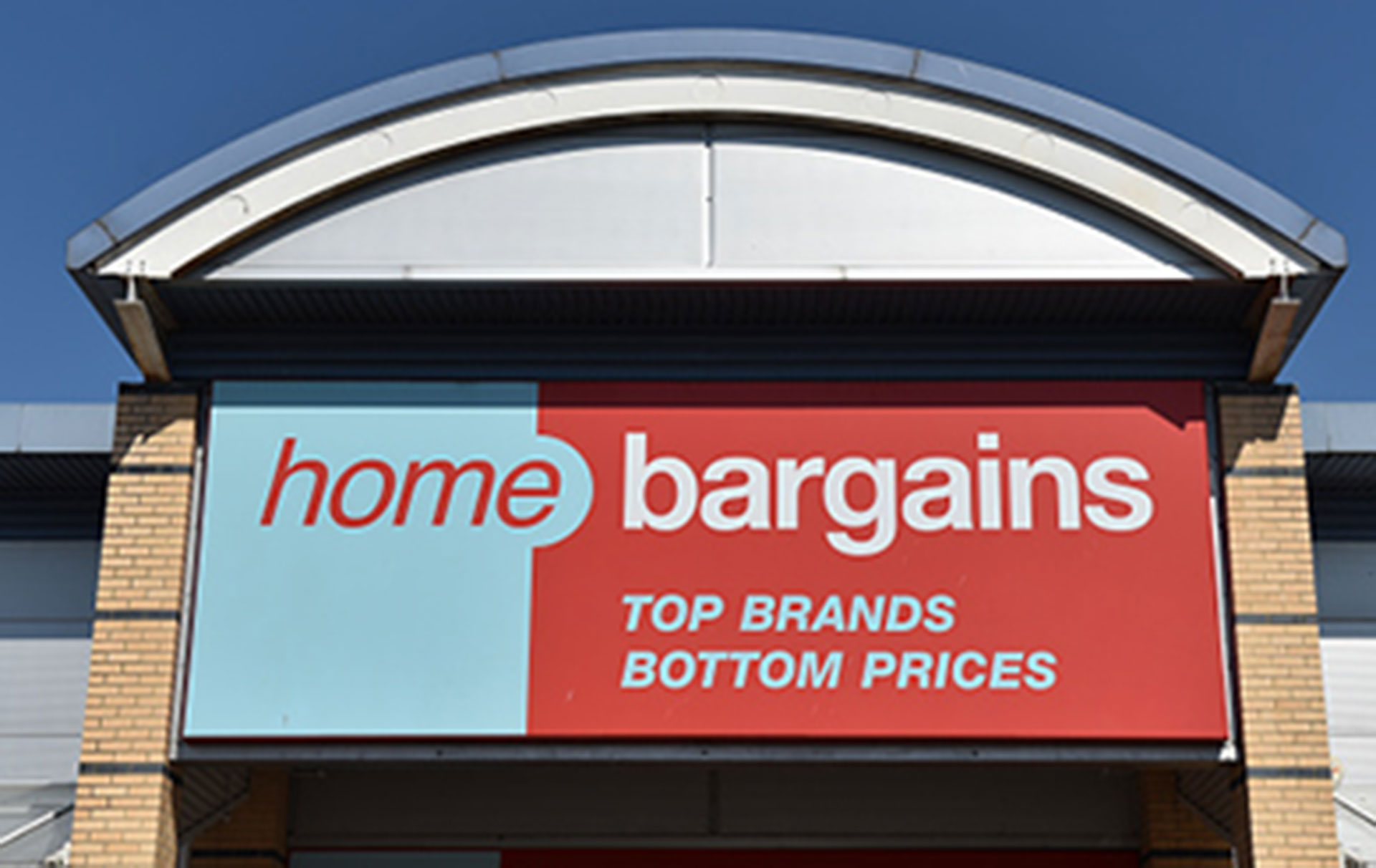 'Need this' Shoppers go wild for Home Bargains' festive pet beds