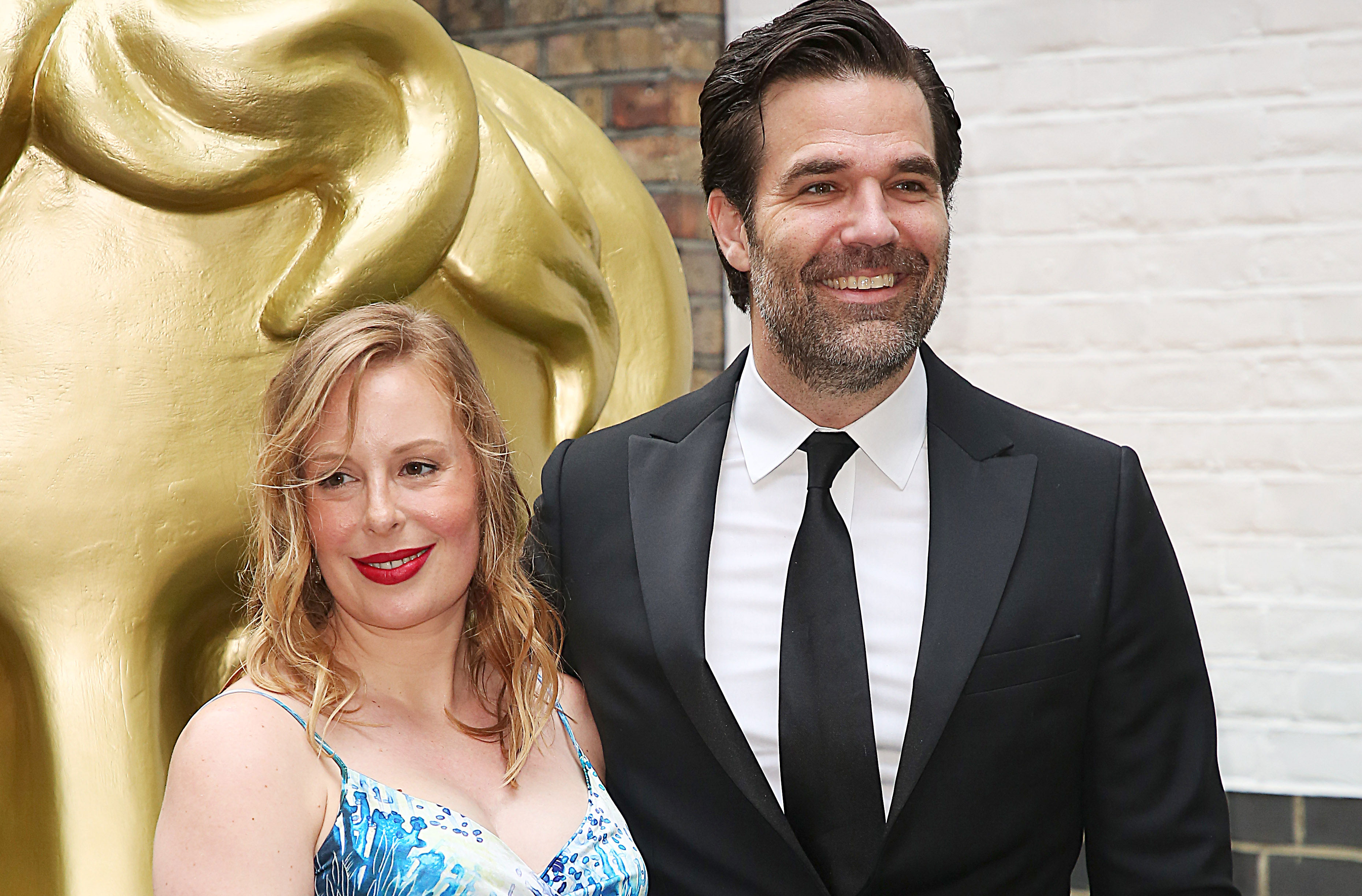 Rob Delaney Announces His Wife Is Pregnant Five Months