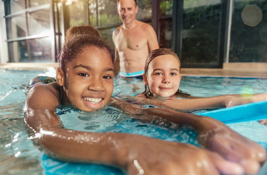 Swimming Teacher Calls Out Parents For Using Phones