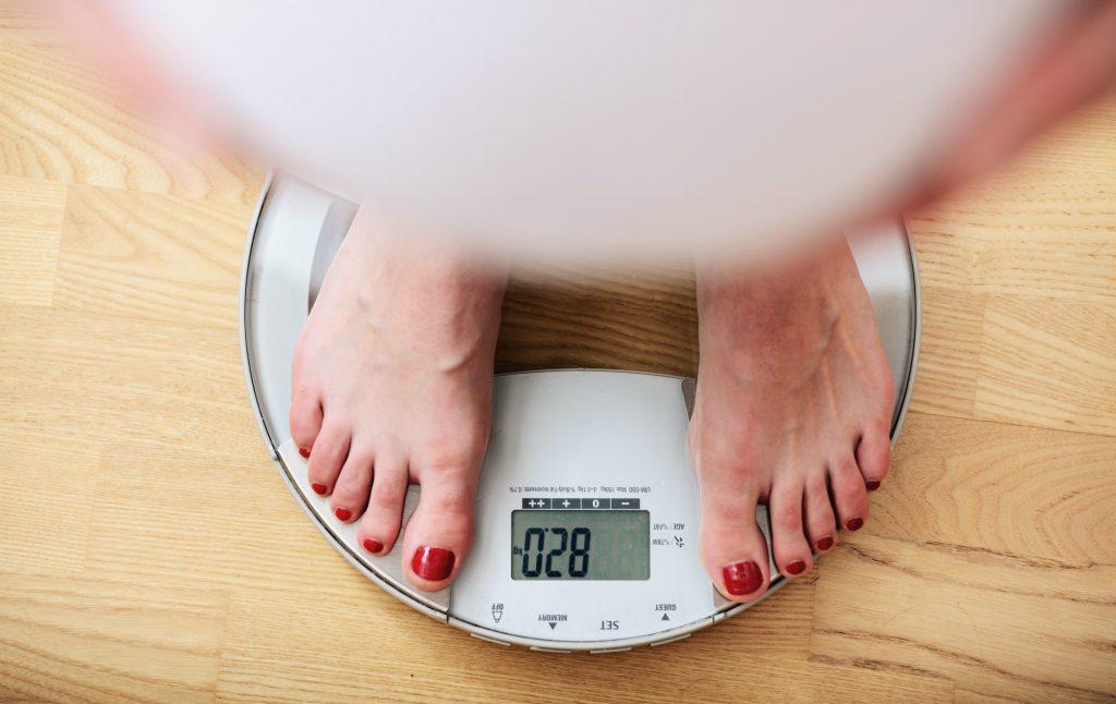 Comment perdre du poids: combien de calories dois-je manger pour perdre du poids?