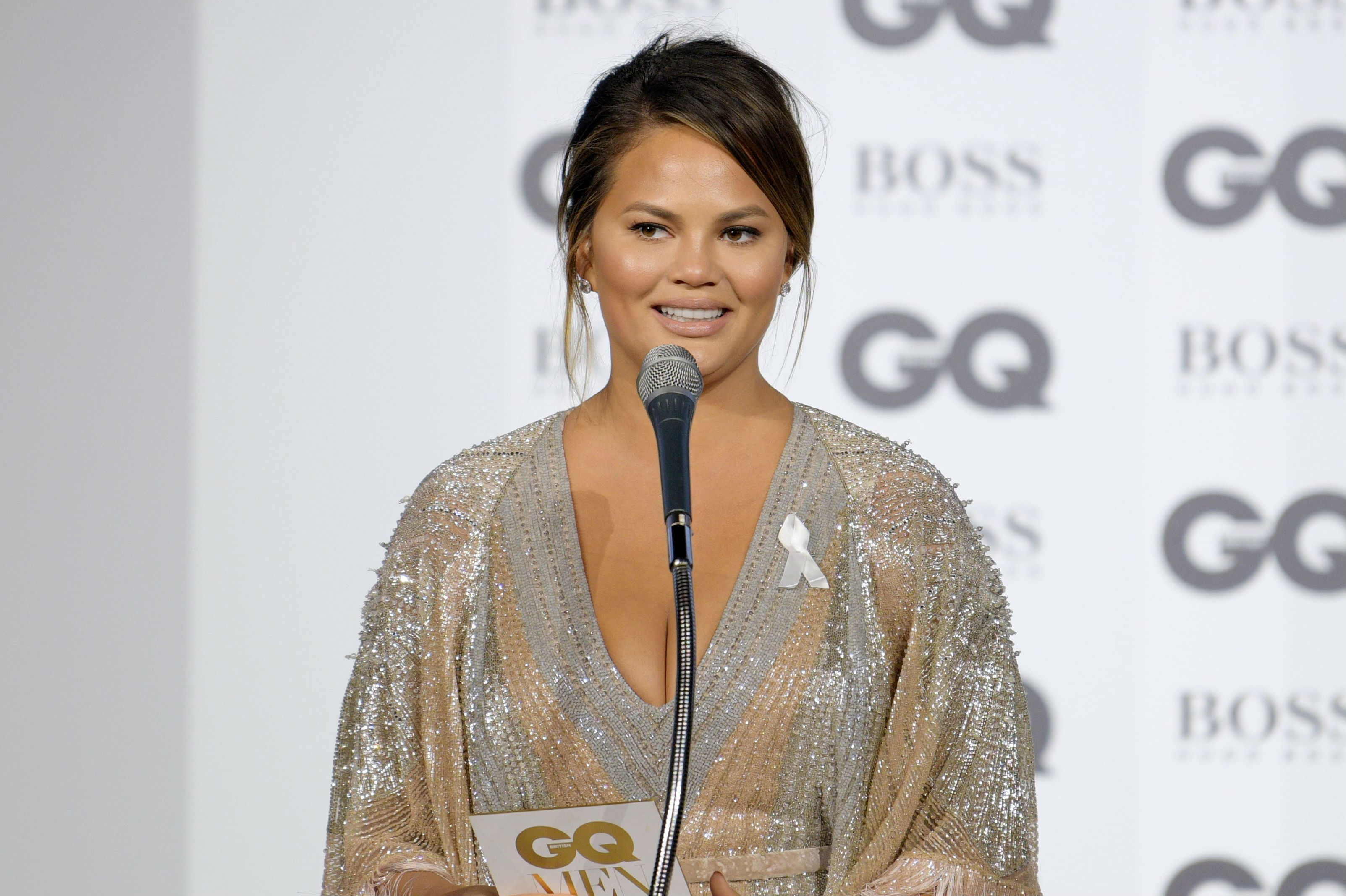 Watch Chrissy Teigen Opens Up About Struggling With Alcohol: I Have to Fix Myself video