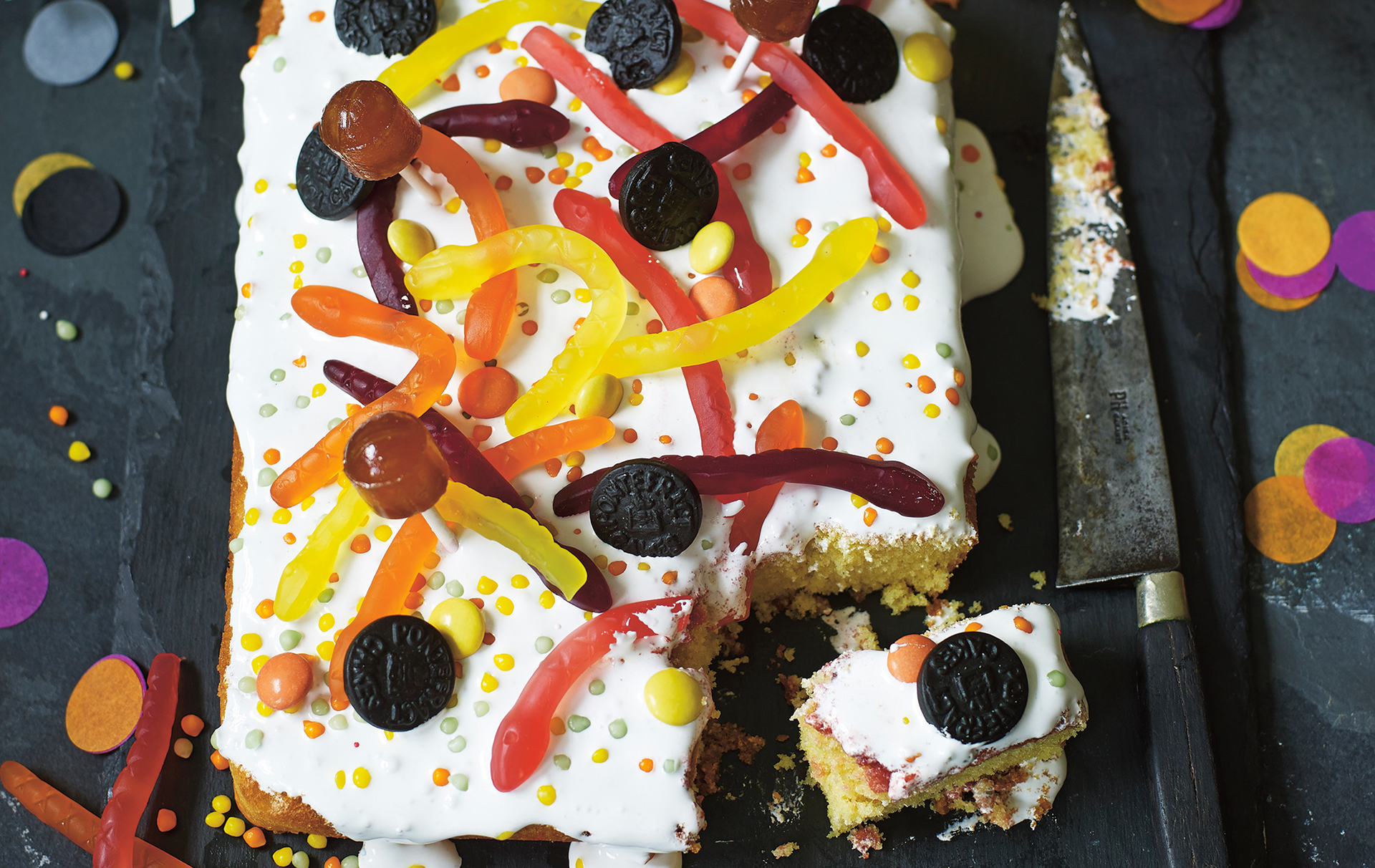 Give your little ones a spooky treat with this very fun Halloween traybake
