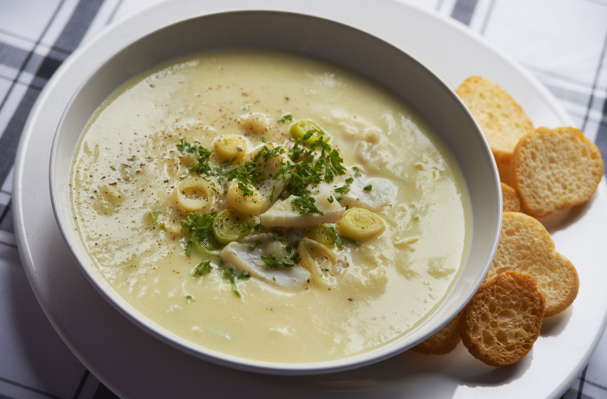 How to make leek and potato soup