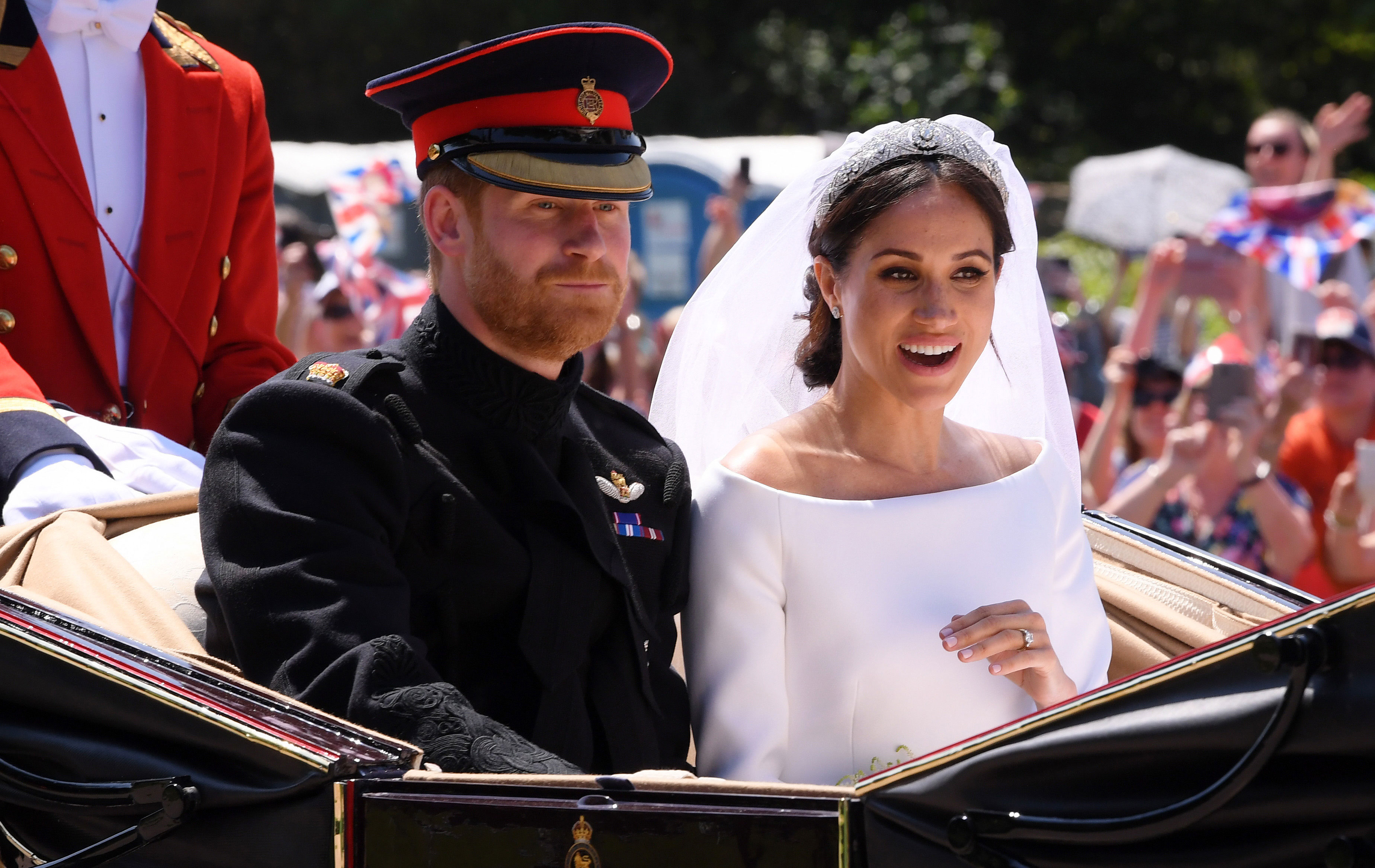 Meghan Markle S Wedding Day Something Blue Was From The