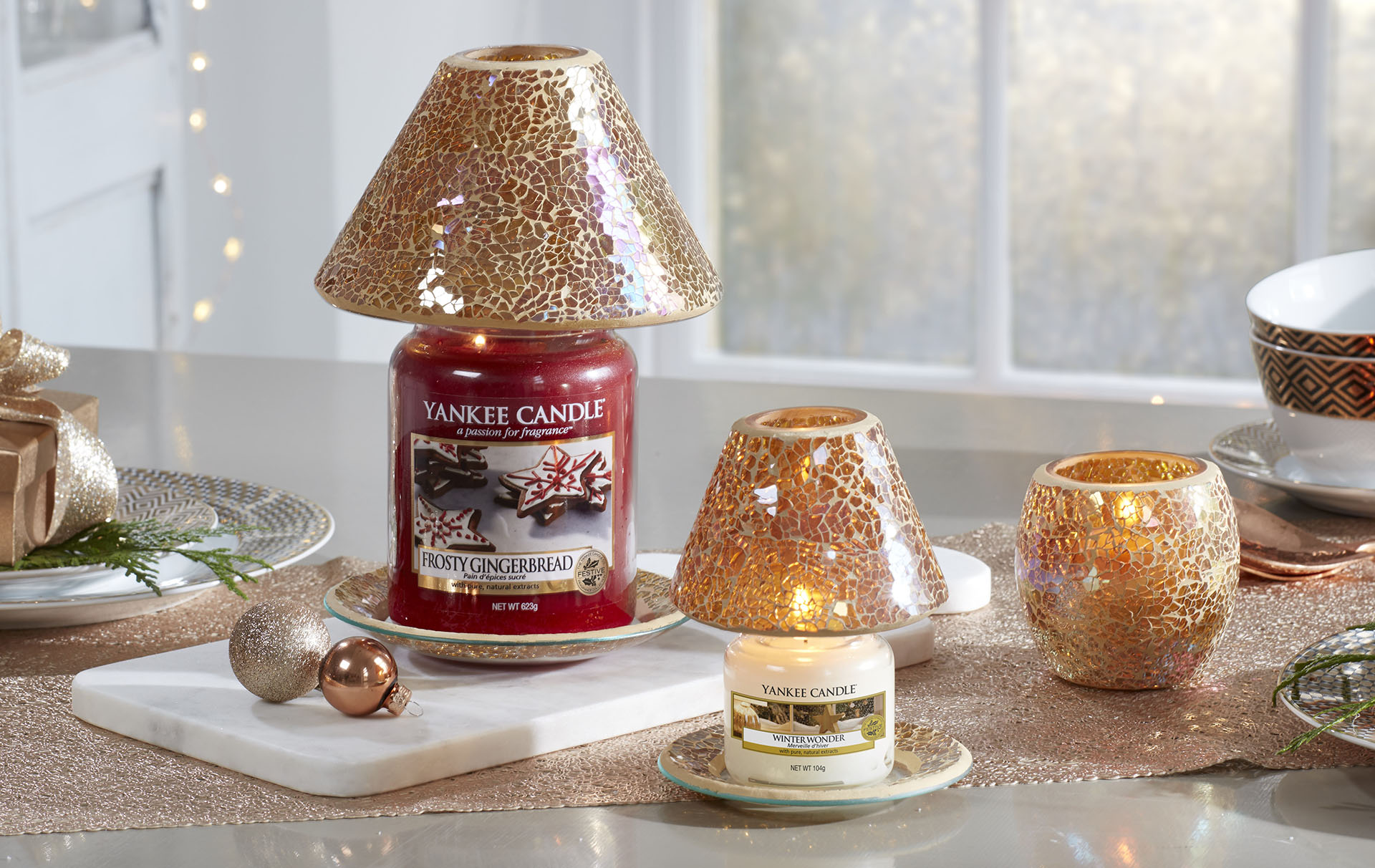 Yankee Candle has dropped their highly-anticipated Christmas collection