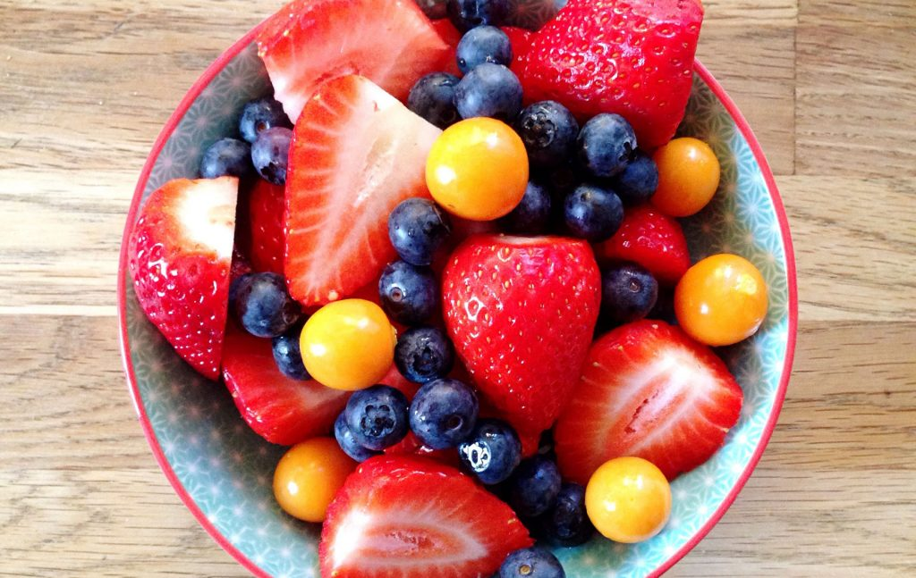 Sugar-free diet plan: Lose up to 10lbs in 4 weeks with the
